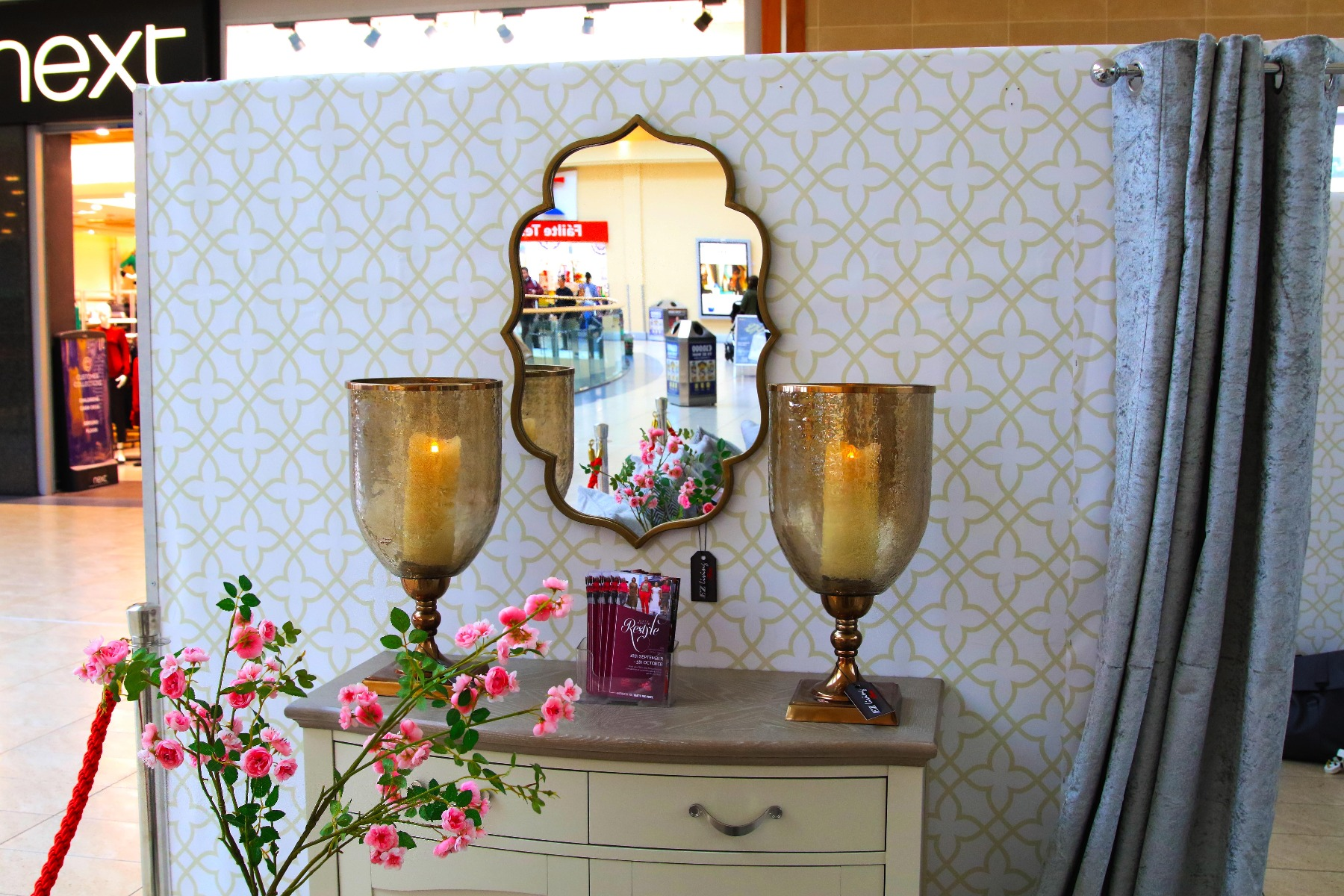 Gold Lanterns and Gold Leaf Accent Plate